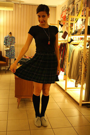 plaid skirt vintage skirt - black knee high socks H&M socks