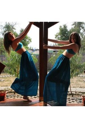 aquamarine bra - turquoise blue skirt