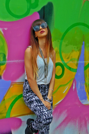 zara necklace - hm boots - koton sunglasses - new yorker pants - esprit t-shirt