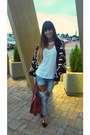 Black-koton-shoes-blue-bershka-jeans-ruby-red-prada-bag