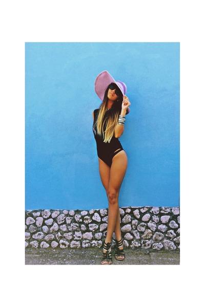 Glow hat - Bershka bodysuit - Zara sandals - H&M bracelet