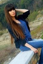 blue levis jeans - navy bershka blazer - bershka blouse