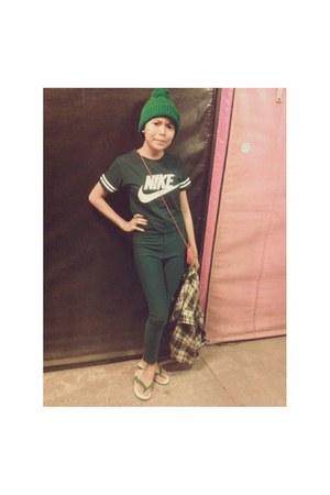 teal Nan Yang shoes - dark green Nobrand leggings - dark green nike vest