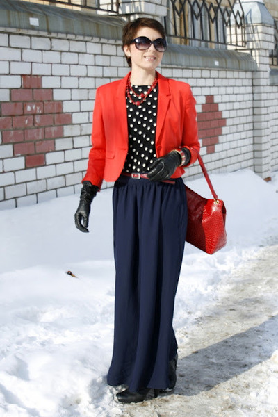 Navy Long Skirt New Look Skirts, Red Short H&M Jackets, Black Zara ...