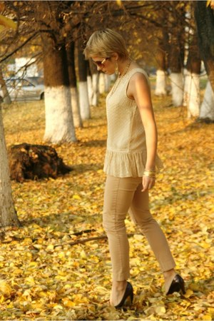 cream Oasis blouse - gold Zara jeans
