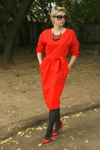 red Mango dress - red Zara pumps - black florals H&M necklace
