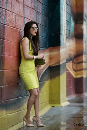 light yellow calvin klein dress - beige Jorge Bischoff pumps