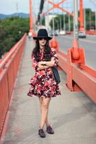 brick red Bebe dress - black Forever 21 hat - crimson Shoedazzle flats