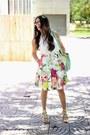 Aquamarine-shoedazzle-bag-yellow-shoedazzle-heels-white-local-store-top