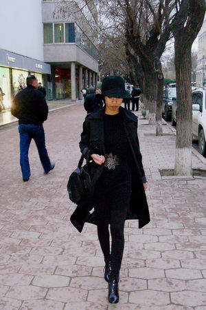 black Mango dress - black h&m mens hat - black Mango cardigan - brown Chloe belt