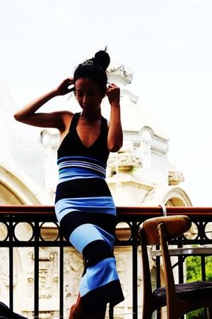 blue Zara top