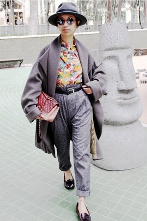 mustard floral print shirt - heather gray oversized Kenzo coat