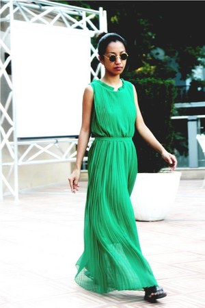 green pl dress