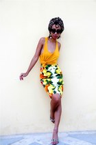 burnt orange DIY scarf - black cat eye Tom Ford sunglasses - yellow Mango top