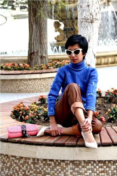 Wedding Shoes Kitten Heel on Ivory Kitten Heels Aldo Shoes  Blue Custom Made Sweaters  Pink Raffia