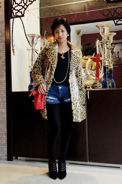 black studded ankle Aldo boots - leopard fur vintage coat