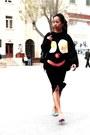 Red-breakfast-topshop-sweater-black-caviar-backpack-chanel-bag