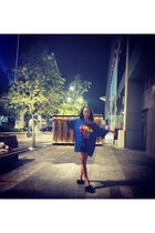 black fur Zara sandals - blue dress SUPERMAN t-shirt