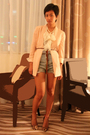 Beige-stella-mccartney-temperly-london-blue-shorts-marni-belt-louboutins