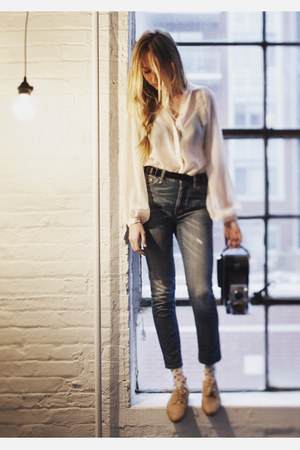 blue R13 jeans - camel sam edelman shoes - light pink french curve socks