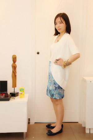 H&M skirt - white H&M top - banana republic cardigan - ferragamo flats