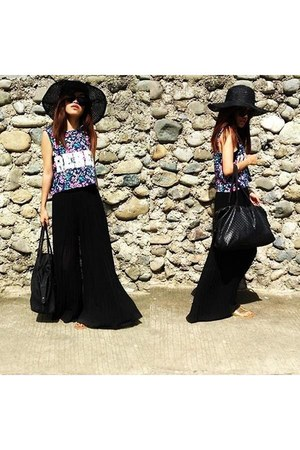 black mix and style hat - P square pants - Leaveland sandals
