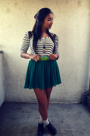 green chiffon Forever 21 skirt - tan striped HUE socks