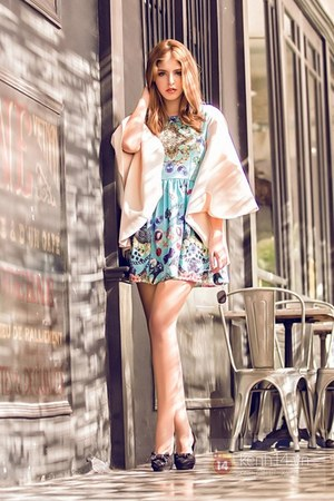 turquoise blue dress - light pink cape - black heels