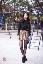 camel skirt - black shirt