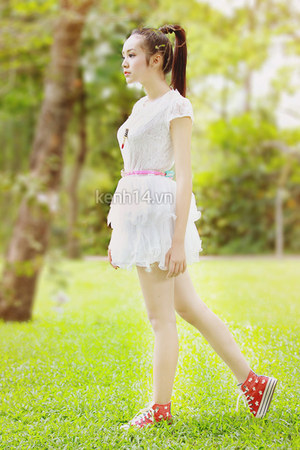 white lace dress dress - red sneakers