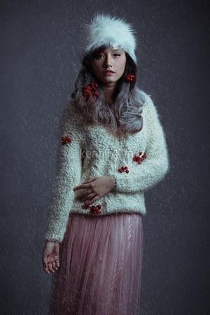 white hat - pink sweater - skirt