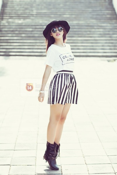 black boots - black hat - white t-shirt - black skirt