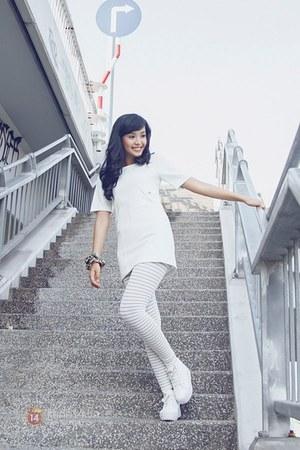 white shoes - white leggings - white blouse