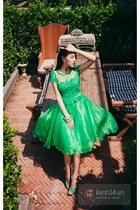 green dress - green heels