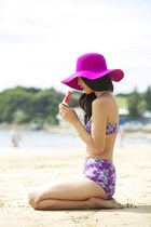magenta hat - violet bodysuit
