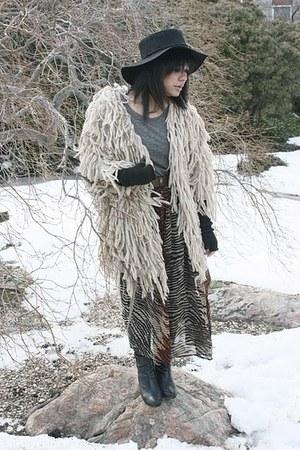 eggshell Shakuhachi coat - vintage skirt - vintage belt