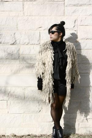 Shakuhachi coat