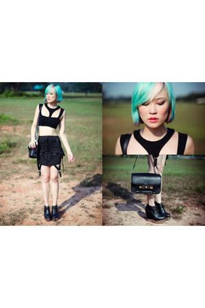 black acne boots - black asos top - black UNIF skirt