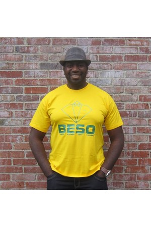 green BESO t-shirt - yellow coton BESO shirt