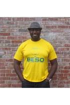 green BESO t-shirt - yellow coton BESO shirt