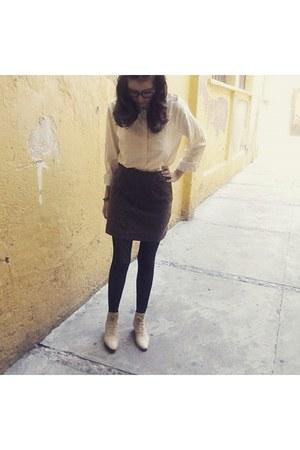 cream second hand shirt - brown second hand skirt - eggshell Julio heels