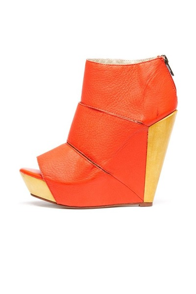 Messeca wedges