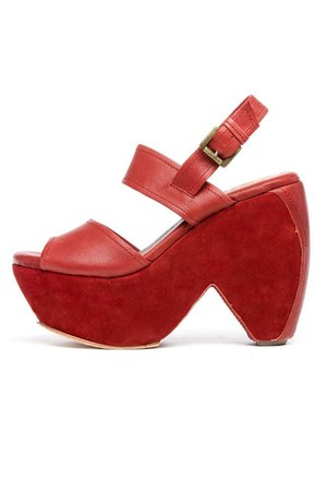 red GeWaWa sandals