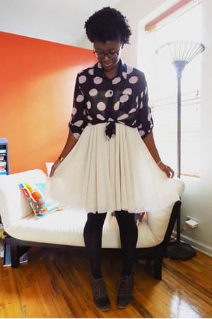 dark brown animal print Old Navy boots - neutral H&M skirt
