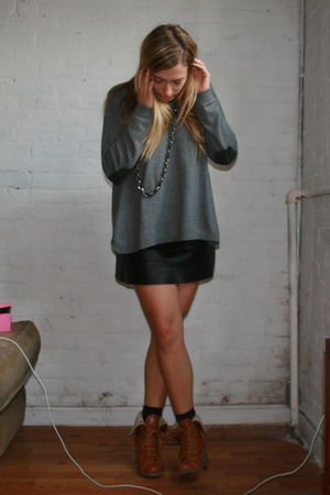 gray H&M sweater - black Urban Renewal skirt - gray H&M socks - brown lulus boot