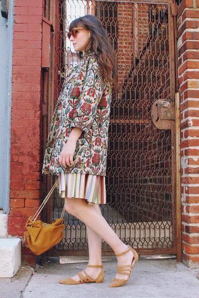 Zara coat - J Crew bag - vintage skirt - vintage blouse - Candela flats