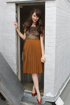 vintage blouse - vintage Ferragamo flats - vintage skirt