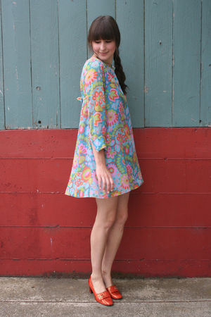 vintage dress - vintage shoes