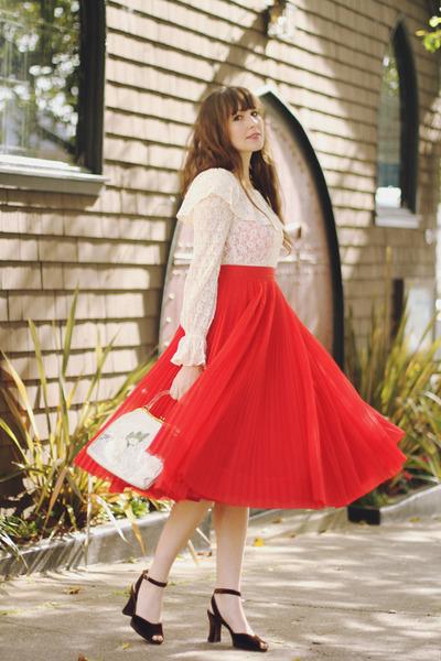 vintage bag - vintage skirt - vintage blouse - vintage heels