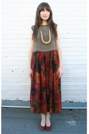 vintage blouse - vintage skirt - vintage flats